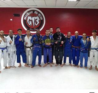 Centro De Treinamento e Academia Living The Fight