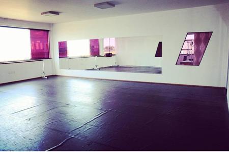 Studio Carol e Tais - Danças e Pilates