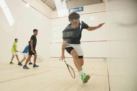 Squash Inn Club -
