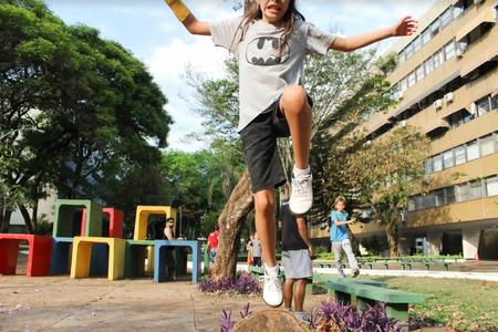 Drop and Leap Escola de Parkour   Bloquinhos Coloridos