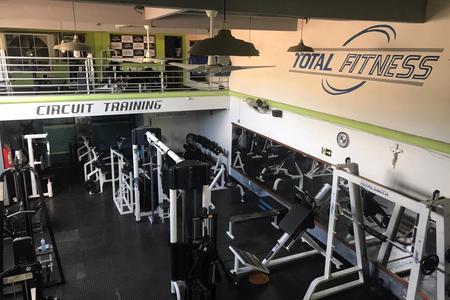 Academia Total Fitness