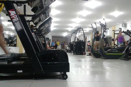 Academia Barra Fitness -