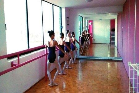 Pointé Dance Academy