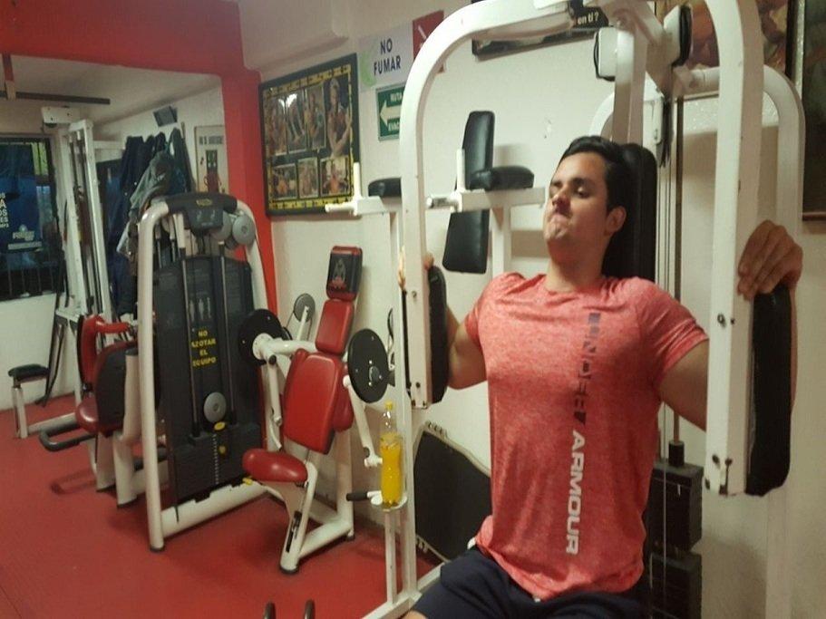 Gimnasio silver gym bellavista ciudad de m xico for Gimnasio 4 caminos