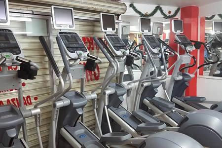 Gym Perfect Line / Plazas de Aragon -