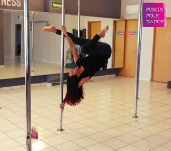 Piscis Pole Dance